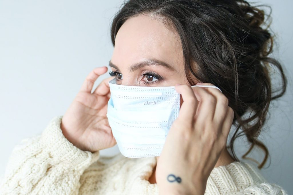 How to Distinguish Coronavirus From a Common Cold
